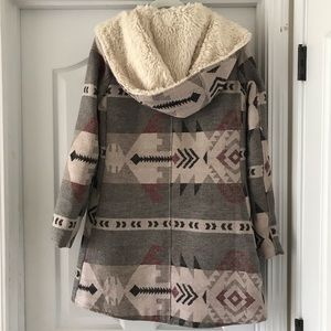BB Dakota Jackets & Coats - Hooded printed coat w/faux fur